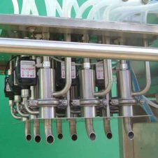 Crate filling system for bottles