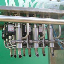 Crate filling system for bottles