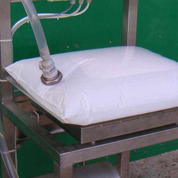 Bag in box filling machine