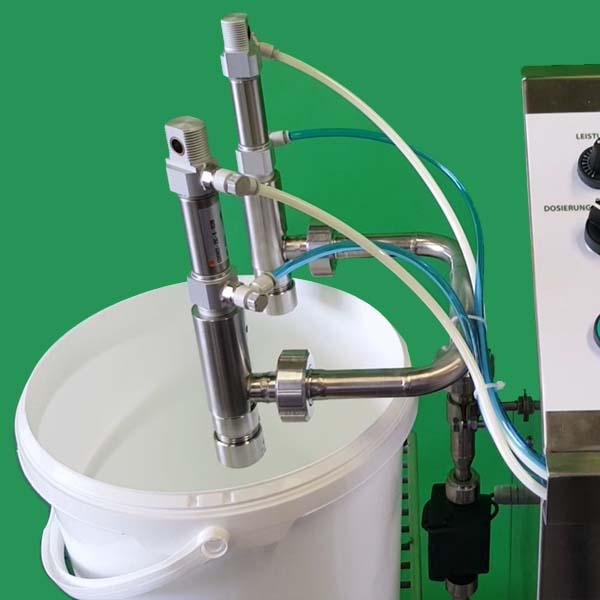 Bucket filling machine